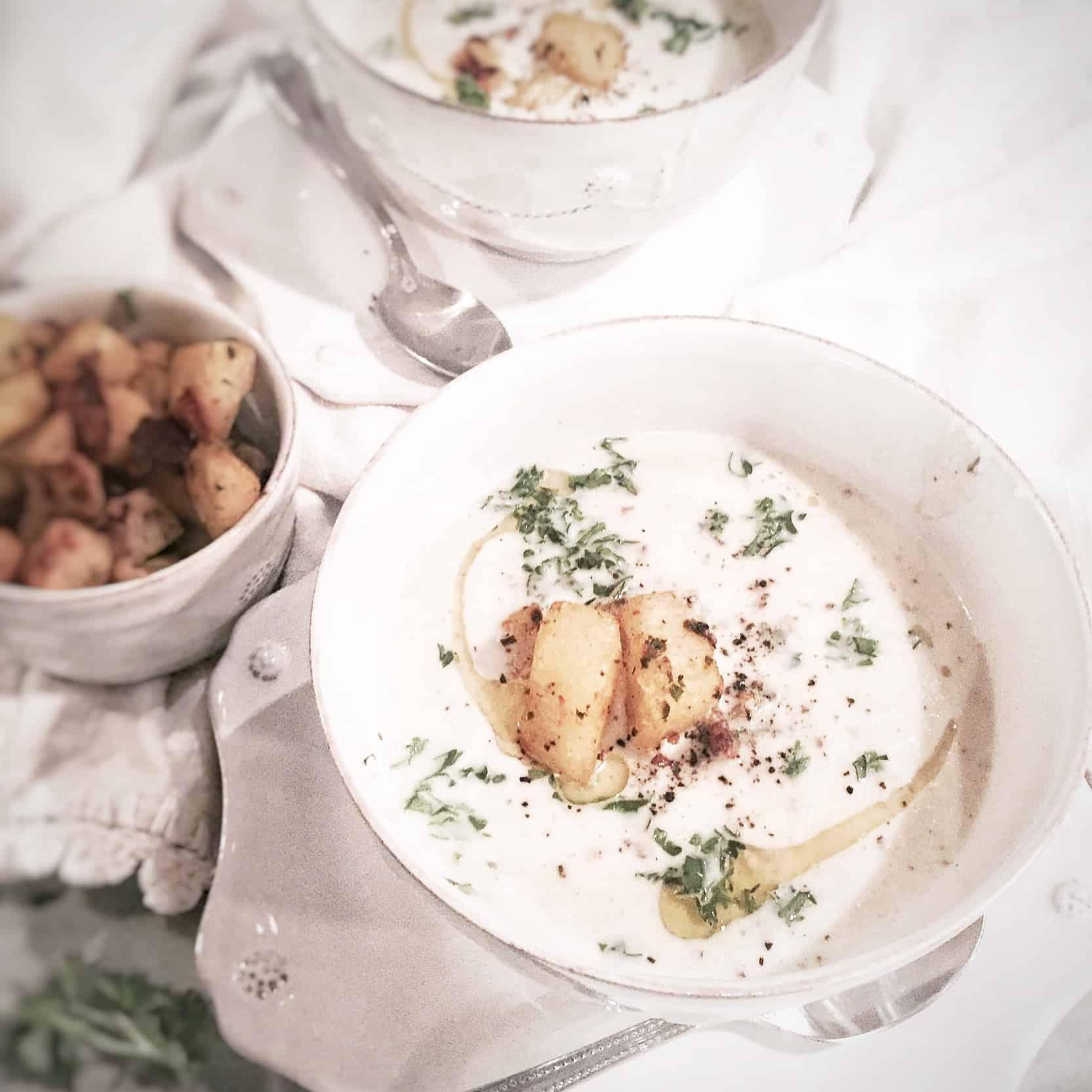 Roasted Cauliflower Gorgonzola Bisque: Roasted Cauliflower Leek Bisque With Garlic Parmesan